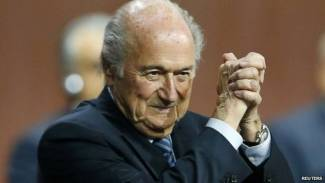 Fifa corruption scandal: Blatter re-elected president